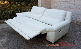 Белый кожаный диван  реклайнер