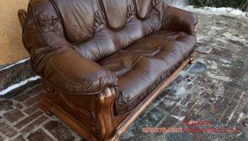Раскладной трехместный диван