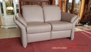 Новый кожаный диван реклайнер