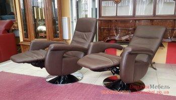 Кожаное кресло комната отдыхаr_1