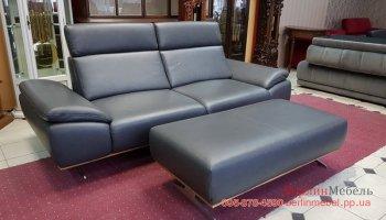 Кожаный  диван мега размер и пуф