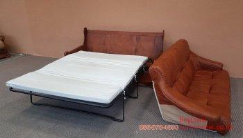 Раскладной кожаный диван на дубовом каркасе