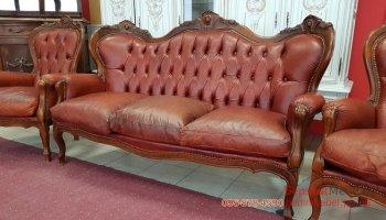 Трехместный кожаный диван Барокко