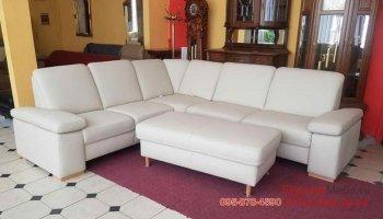 Кожаный угловой диван с подставным пуфом