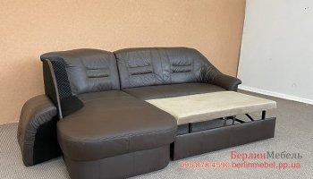 Кожаный раскладной угловой диван б\у