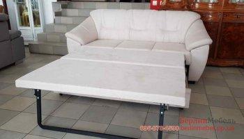 Трехместный раскладной диван